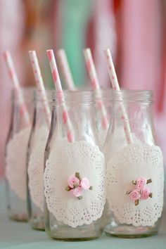 Mother's Soiree Party Planning Ideas Vintage Idea Cake Supplies A Mother's Soiree via Kara's Party Ideas: decorate bottle with doilies & mini roses Girls Tea Party, Tea Party Birthday, Tea Parties, Geek Birthday, Party Drinks, Ballerina Party, Angelina Ballerina, Babyshower Party, Tea Party Baby Shower