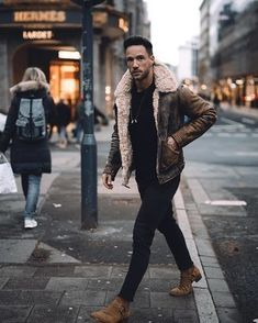 39 comfy winter fashion outfits for men in 2019 man outfit Grunge Winter Outfits, Winter Fashion Outfits, Men Winter Fashion, Autumn Outfits, Best Mens Fashion, Mens Fashion Suits, Fashion Menswear, Mens Suits, Mode Masculine
