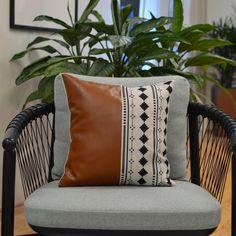Aztec Design Pillow Cover - 17' x 17' 2 Piece Set