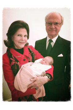 royalwatcher:  Queen Silvia and King Carl Gustaf of Sweden with their newborn granddaughter, Her Royal Highness Princess Leonore Lilian Maria, Duchess of Gotland, daughter of Princess Madeleine and Christopher O'Neill, b. February 20, 2014