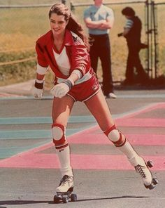 brooke shields style Crazy Fan of Riedell Roller Skates for Women Brooke Shields, Retro Mode, Mode Vintage, Vintage Sport, Skates Vintage, Riedell Roller Skates, 80s Fashion, Street Fashion, Sport Fashion
