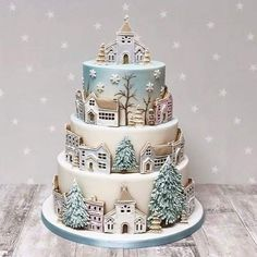 2019 Great Christmas Cake Ideas – Page 5 of 10 – Vida Joven # Multi Layer Cake - Christmas Desserts Christmas Cake Designs, Christmas Cake Decorations, Holiday Cakes, Christmas Desserts, Christmas Treats, Christmas Cakes, Pretty Cakes, Beautiful Cakes, Amazing Cakes