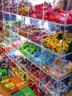 Candy Store Design, Candy Store Display, Store Displays, Small Store Design, Candy Buffet, Candy Table, Candy Room, Supermarket Design, Penny Candy