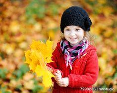 紅葉を背景に季節感のある人物写真を撮ろう!   PIXTA Channel