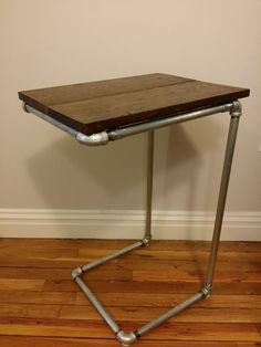 Industrial Pipe Side Table - Reclaimed Oak Wood Top - Nightstand / Bedside