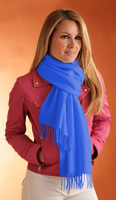 Pure CASHMERE SCARF unisex Armony, fashion Cornflower blue color with fringes, Teaselling with natural thistles Made in Italy free shipping di Italiancashmere su Etsy