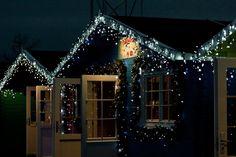 Ξύλινο Σπίτι με χριστουγεννιάτικη διάθεση #SHOWOOD #Outdoorproducts #Wooden #ValuableByNature #Wood #nature Cabin, Cabins, Cottage, Wooden Houses