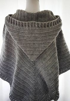 Easy Free Crochet Poncho Patterns Ideas for Women Crochet Projects 2019 - Page 30 of 34 - hairstylesofwomens. com clothes for women free Easy Free Crochet Poncho Patterns Ideas for Women Crochet Projects 2019 - Page 30 of 34 - hairstylesofwomens. Col Crochet, Crochet Woman, Diy Crochet Poncho, Crochet Bee, Knitted Shawls, Crochet Patterns Free Women, Knitting Patterns, Crochet Shawl Patterns, Sewing Patterns