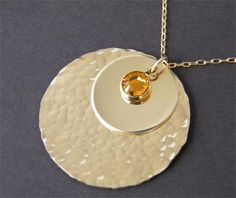 Kate Middleton / Duchess of Cambridge Hammered Disc Necklace - Kate Middleton Jewelry - Celebrity Jewelry