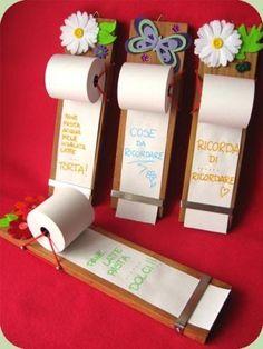 Grocery List on adding machine tape paper from office supply store. Just tear off when you're ready to shop! io ne ho uno simile da uno dei progetti della mano che aiuta, ma questo sembra un pò più stabile!