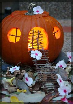pumpkin fairy house - oh yes, we will have a pumpkin fairy house this year!!!