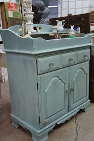 Duck Egg! Duck Egg! Duck Egg!     I will scream it from the roof tops. I LOVE ANNIE SLOAN'S DUCK EGG!     This vintage dry sink was a fin...