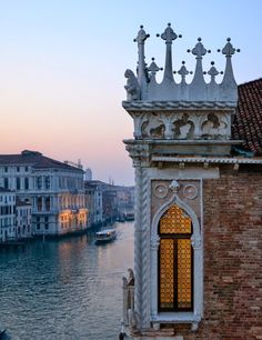 #Venice, Palazzo corner window. #Gothic #Architecture                                                                                                                                                      More