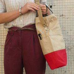 Linus Sac bike Pannier Sand & Red | Cyclechic. Perfect on and off the bike