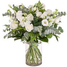 זר ליום נישואין White Flower Arrangements, White Flowers, Glass Vase, Plants, Wedding, Ms, Home Decor, Valentines Day Weddings, Decoration Home