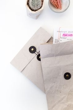 DIY Document Envelopes - Organise your Receipts, Invoices and Bills http://fallfordiy.com/blog/2016/09/27/diy-document-envelopes-organise-your-receipts-invoices-and-bills/
