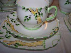 ROYAL ALBERT CROWN CHINA ( VERY RARE TREE DESIGN PART TEA SET