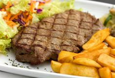 Half Off Casual Fare at Charlie Brown's Family Sports Grill & Bar in Prairieville Aussie Food, Australian Food, Dinner For Two, Dinner Menu, Vegemite Recipes, Sports Grill, Buffalo Wings, Food To Make, Steak