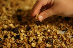 How to make granola in the slow cooker. This is a great no-burn way to make homemade granola! (nov 10)