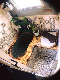 A Mad Van/Tiny Home Designer. on Old galvanised bath tub compost Bus Living, Tiny House Living, Van Life, Galvanized Bathtub, Caravan Vintage, Vintage Caravans, Kombi Motorhome, Kombi Home, Home Designer