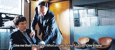 Sherlock & Mycroft xD (The Six Thatchers) Sherlock Doctor Who, Sherlock Series, Sherlock Fandom, Sherlock Holmes John Watson, Mycroft Holmes, Sherlock John, Sherlolly, Sibling Rivalry, Benedict Cumberbatch Sherlock