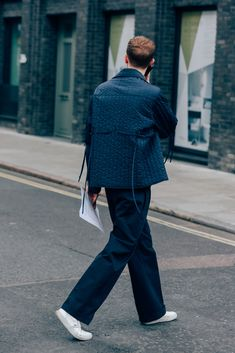 The Best Street Style From London Collections: Men Photos Mens Fashion Week, Dope Fashion, Cool Street Fashion, Urban Fashion, Fashion Outfits, Men Street, Street Style Women, Street Wear, Street Styles