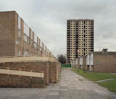 Kings Crescent estate, London, 2002 (now demolished). Picture by Chris Dorley-Brown Multi Story Building, Sidewalk, London, Architecture, Brown, Art, Arquitetura, Art Background, Side Walkway