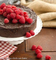Flourless Chocolate Kahlua Cake : Dense, decadent and outrageously delicious!