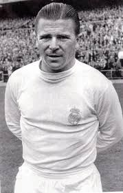 Ferenc Puskas, a prolific goal scorer for the national soccer team of Hungary and the Real Madrid club in Spain and, by wide agreement, the game's first international superstar Football Icon, Real Madrid Football, Best Football Team, World Football, Football Kits, School Football, Das Wunder Von Bern, Equipe Real Madrid, Popular Sports