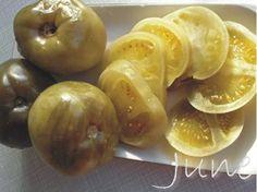 У нас к Новому Году подоспели Солёные зеленые помидоры Большие зелёные помидоры, несколько веточек...