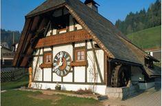 o maior relógio cuco do mundo. Uma casa em Schonach boasts.