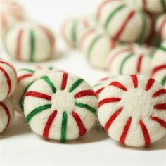 Felt Peppermint Candy: Felted Christmas Candies & Décor Peppermints have a way of reminding us of Christmas! Strung together, our felt peppermint candies make festive Christmas tree garlands & stair banister décor. Diy Felt Christmas Tree, Christmas Candy, Christmas Time, Fabric Christmas Trees, Christmas Quotes, Christmas Pictures, Homemade Christmas, Christmas Wreaths, Peppermint Christmas Decorations