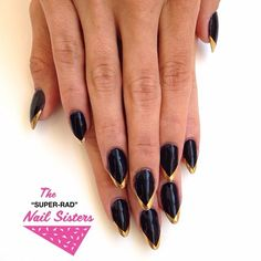 black pointy nails with gold tips @TheSuperRadNailSisters