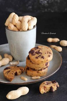 Biscotti proteici senza farina vegan| Senza è buono I Love Food, Good Food, Gluten Free Recipes, Vegan Recipes, Vegan Cookie Dough, Sweet Recipes, Food And Drink, Sweets, Cookies