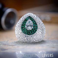 A mesmerizing DeGrisogono Diamond and Emerald ring