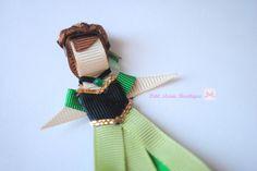 Presilha da Anna - Frozen  versão de vestido verde da coroação  Bico de pato  Aprox. 8cm de altura R$ 20,00