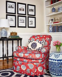 Diy Craft Ideas For Home Decor Chinoiserie Chic: Classic Chinoiserie.Diy Craft Ideas For Home Decor Chinoiserie Chic: Classic Chinoiserie My Living Room, Home And Living, Living Room Decor, Modern Living, Ashley B, Chinoiserie Chic, Classic Furniture, Modern Furniture, Traditional Decor
