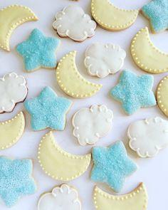Star, moon and cloud cookies// decorated sugar cookies// baby shower cookies// twinkle twinkle little star cookies by coliespastries on Etsy https://www.etsy.com/listing/489661390/star-moon-and-cloud-cookies-decorated