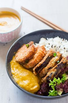 Vegan katsu curry is an egg-free version of a Japanese dish yasai katsu curry. Panko fried aubergine and sweet potato with a curry sauce, rice and salad. Curry Recipes, Veggie Recipes, Asian Recipes, Cooking Recipes, Healthy Recipes, Vegetarian Cooking, Japanese Vegetarian Recipes, Cooking Kale, Veggie Dishes