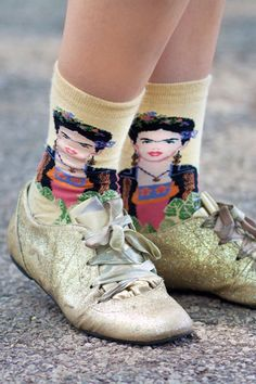 """""""Street Style,"""" article in Elle, on the 2012 Pitchfork music festival. Too funny. Also, I love these Frieda Kahlo socks."""