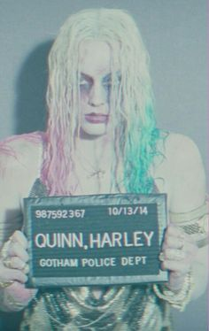 Find images and videos about joker, harley quinn and suicide squad on We Heart It - the app to get lost in what you love. Harley Quinn Comic, Harley Quinn Cosplay, Joker And Harley Quinn, Arlequina Margot Robbie, Margot Robbie Harley Quinn, Bruce Timm, Property Of Joker, Dc Comics, Harely Quinn