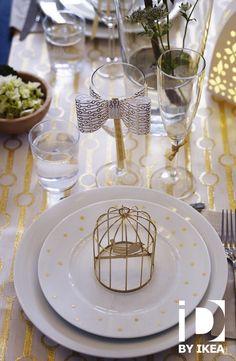Gouden accenten toveren op kerst en nieuw een vrolijke feesttafel tevoorschijn. IKEA 365+ bord #IKEAbe #IKEAidee #aantafel