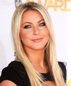 Julianne Hough - best nude makeup and hair
