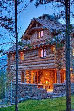 Fireplace on the porch, Great view backyard!