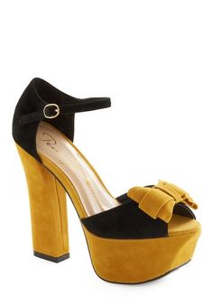 Vintage yellow and black bow strap heels