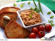 Sýrová pomazánka na topinky a la tatarák Slovak Recipes, Czech Recipes, Russian Recipes, No Salt Recipes, Snack Recipes, Cooking Recipes, Good Food, Yummy Food, Tasty