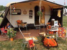 Retro Caravan, Retro Campers, Vintage Love, Retro Vintage, Bus Life, Camping Life, Good Old, My Childhood, 1970s
