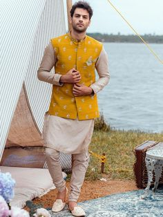 Indian Wedding Suits Men, Wedding Kurta For Men, Mens Indian Wear, Wedding Outfits For Groom, Indian Groom Wear, Wedding Dress Men, Indian Wedding Outfits, India Fashion Men, Indian Men Fashion