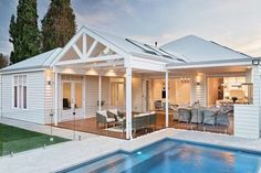 Summer Pool House Inspired Space Summer Pool House Inspired Space The Builder's Wife The post Summer Pool House Inspired Space appeared first on Architecture Diy. Hamptons House, The Hamptons, Outdoor Rooms, Outdoor Living, Outdoor Furniture, Weatherboard House, Pool House Plans, Summer Pool, Outdoor Swimming Pool