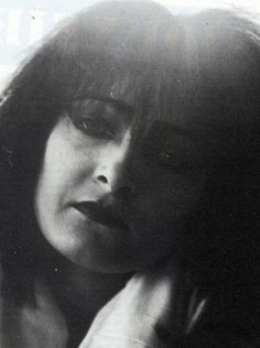 A rare photo of Siouxsie from 1984.  Photo source: http://morganaspikes.tumblr.com/post/152228914164